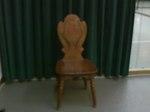 赤い薔薇の椅子